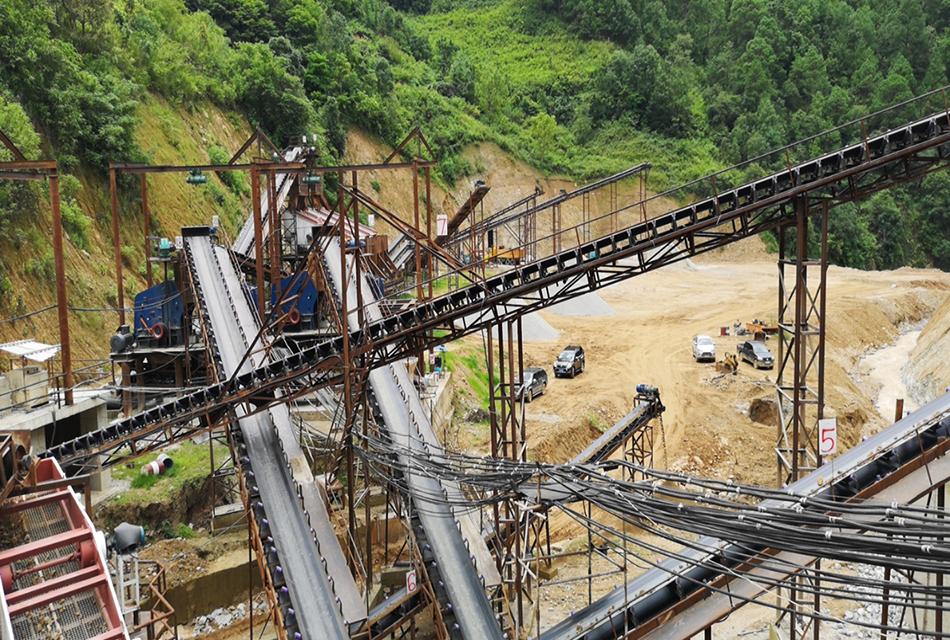 云南临沧时产800-1000吨花岗岩联合破