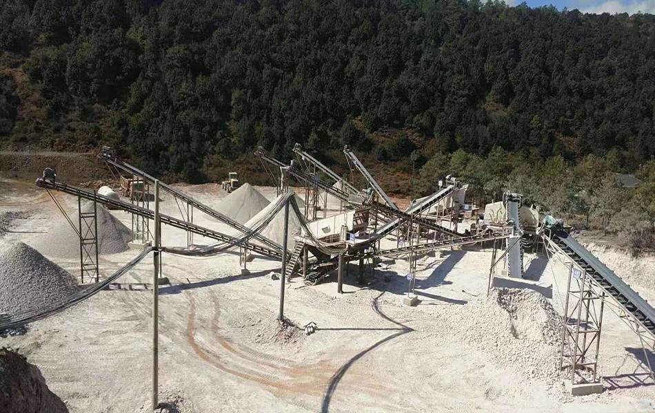 新疆伊犁400t/h石灰石破碎生产线