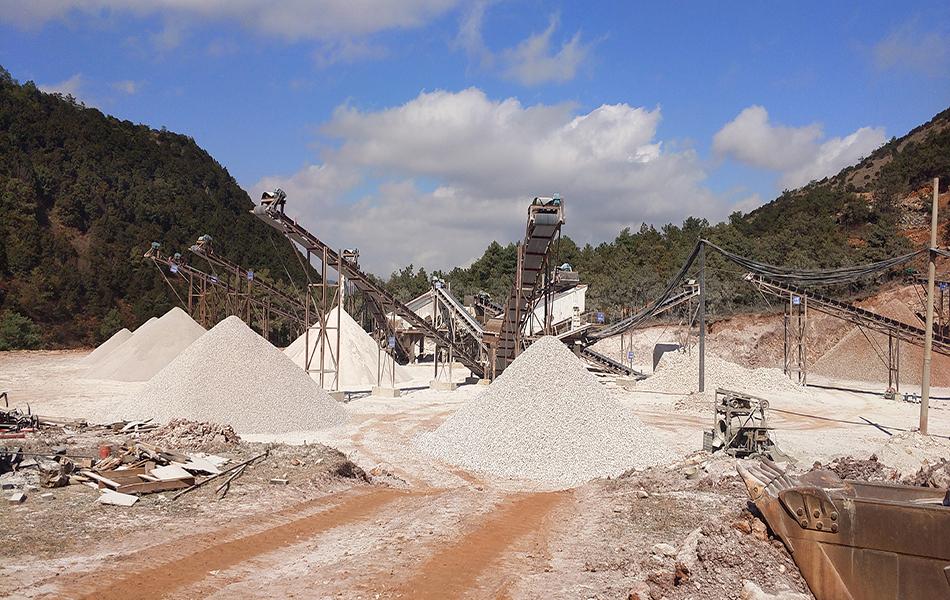 河南驻马店时产300吨石灰岩破碎线